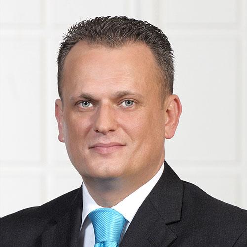 Dr. Esnaf Begić